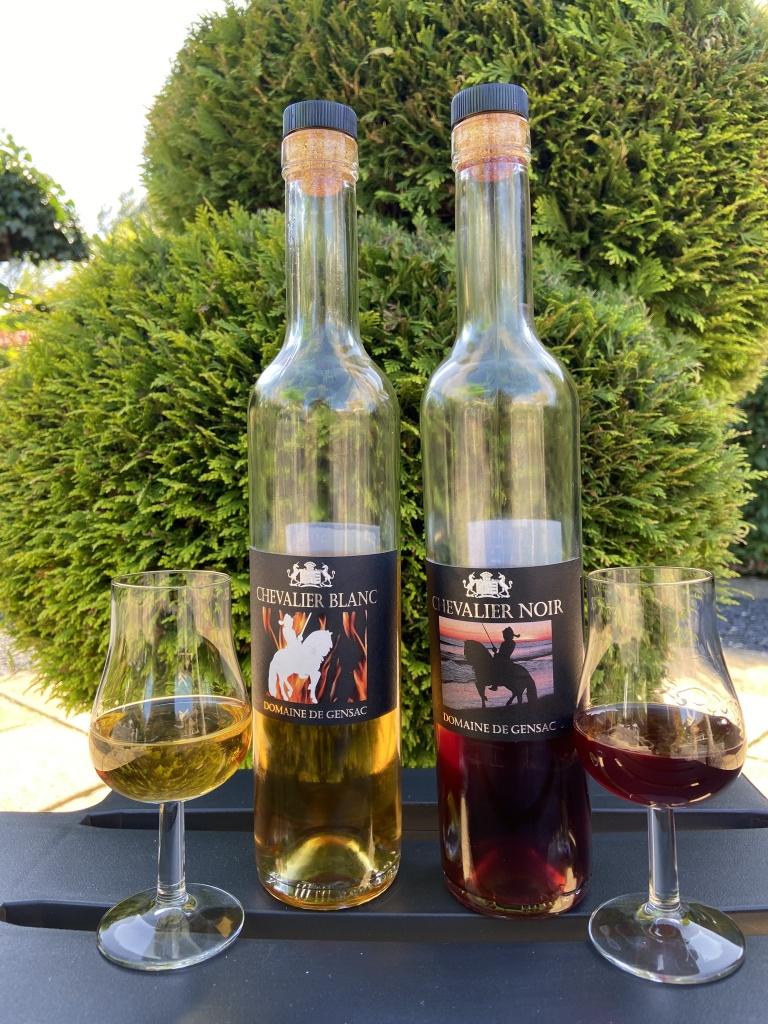 Chevalier Noir en Blanc , wijnlikeuren van Chateau Gensac